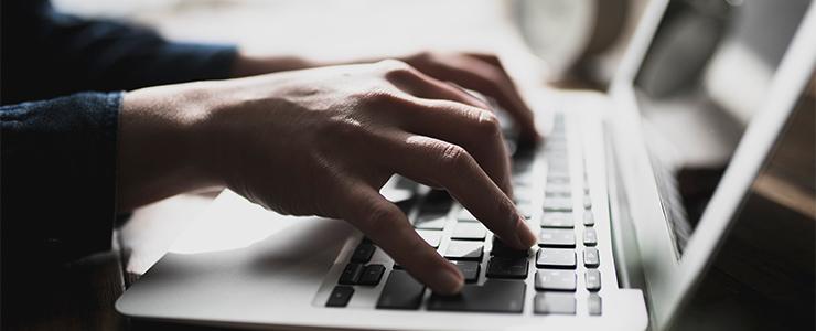 ブログを書いているイメージ
